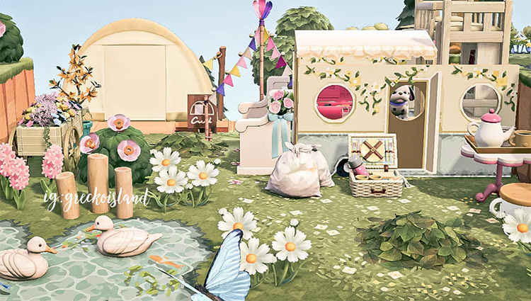 Glamping Tent Design with stalls in ACNH