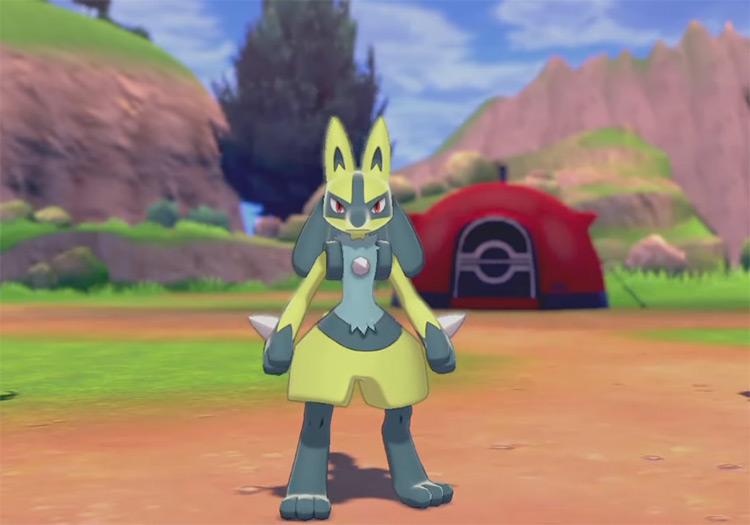 Yellow Shiny Lucario in Pokémon SWSH