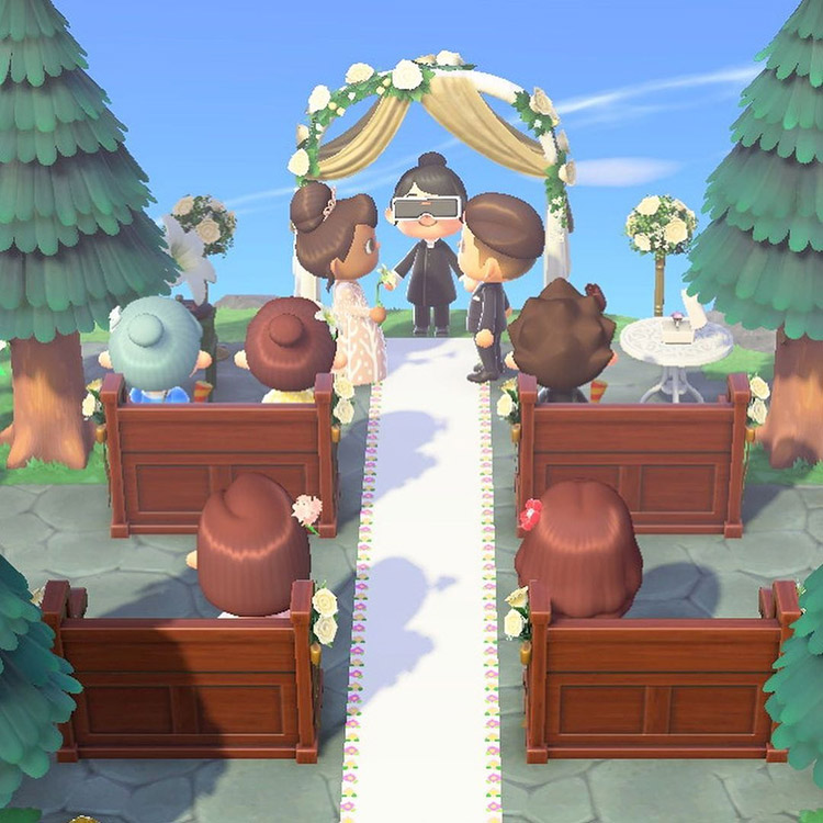 Classic wedding aisle and seating in ACNH