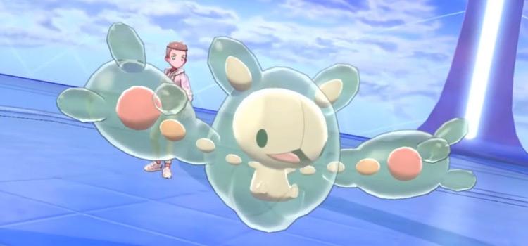 Reuniclus in battle in Pokémon Sword/Shield