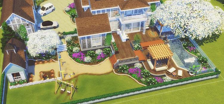 Backyard design in The Sims 4
