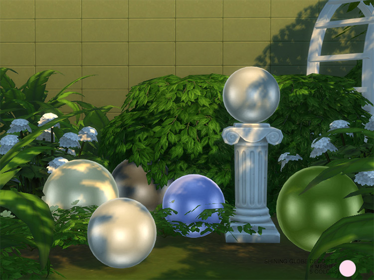 Shining Globe Deco Sculpture Set for The Sims 4