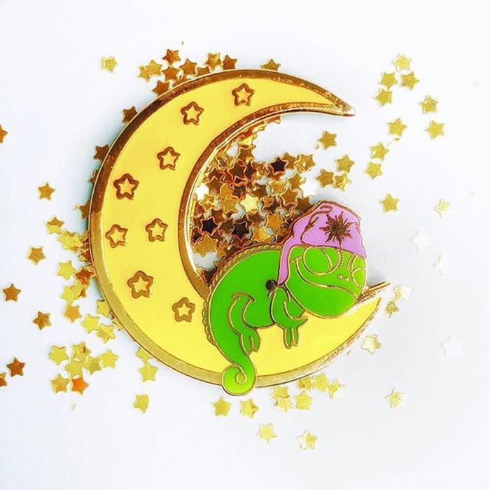 diy pascal moon pin
