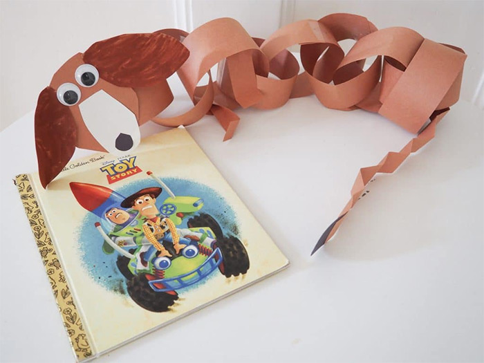 Slinky Dog paper chain