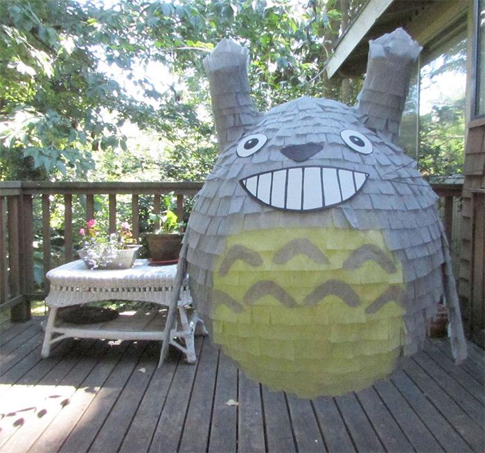 Totoro pinata diy