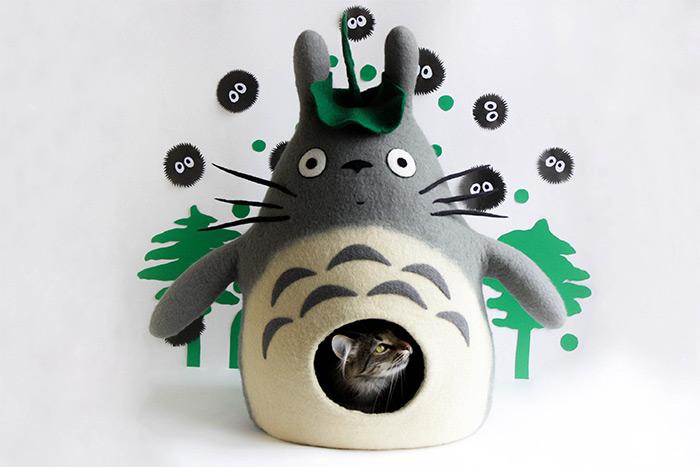 Totoro catbed