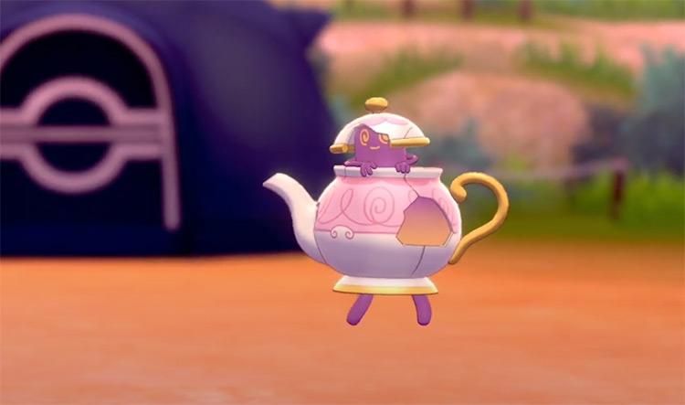 Shiny Polteageist from Pokémon Sw/Sh