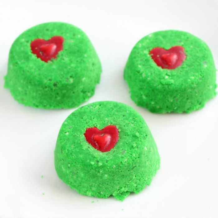 Grinch colored shower bombs