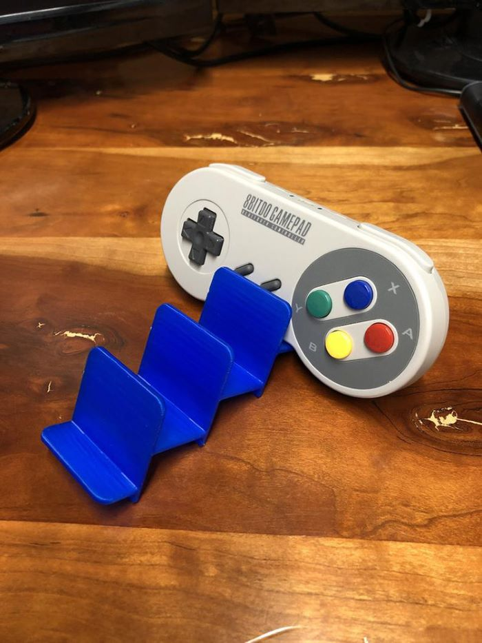 Plastic retro gamepad holder