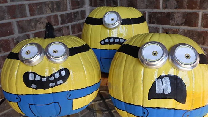 Minion lanterns