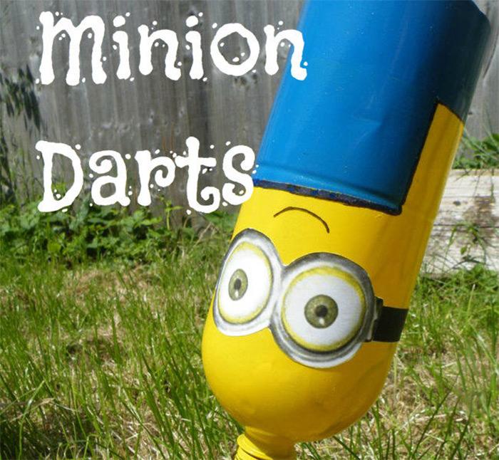 Lawn darts set for minion
