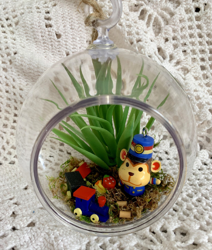 Animal crossing Porter terrarium