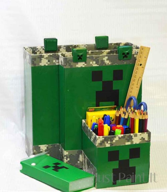 Minecraft desk organizing project