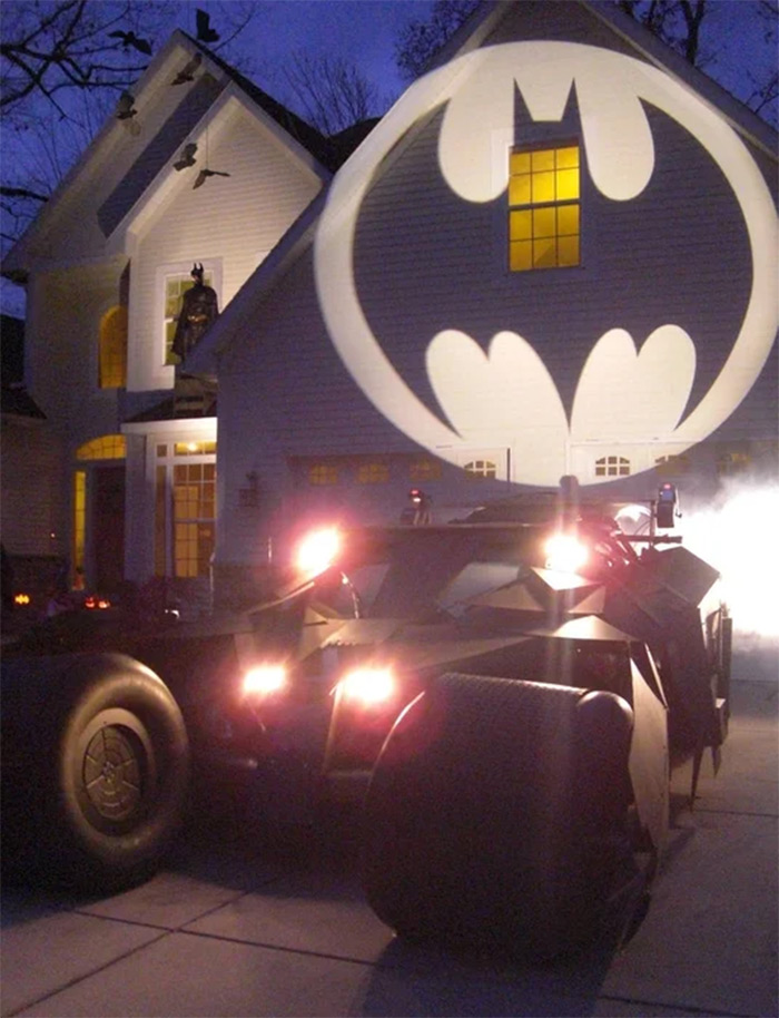 Lifesize batmobile diy