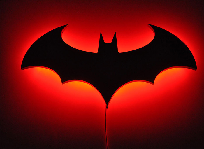 Batman wall lamp diy