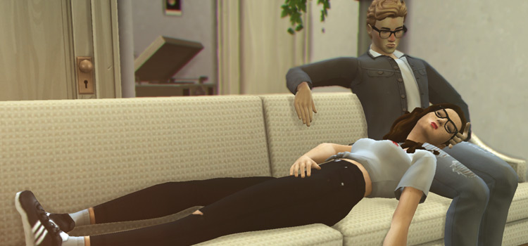 Snuggling Pose Pack on the couch / TS4 Preview
