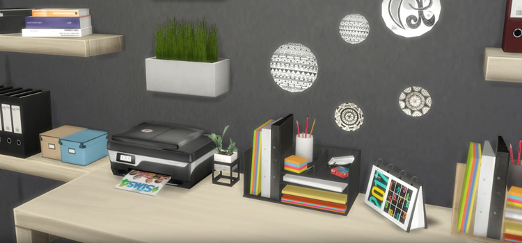 Home Office Desk Clutter in The Sims 4
