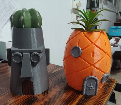 SpongeBob and Squidwards houses as planters